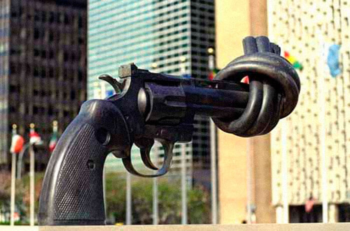 control arms trade gun monument
