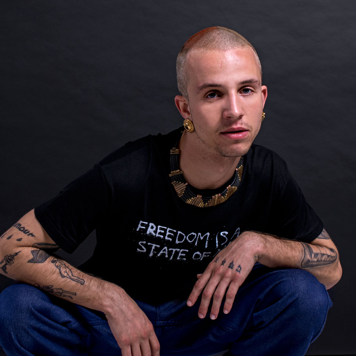 FREEDOM T-SHIRT STREETWEAR LOOKBOOK