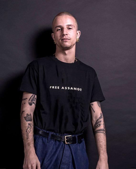 01-free-juilan-assange-tshirt-wikileaks (1)